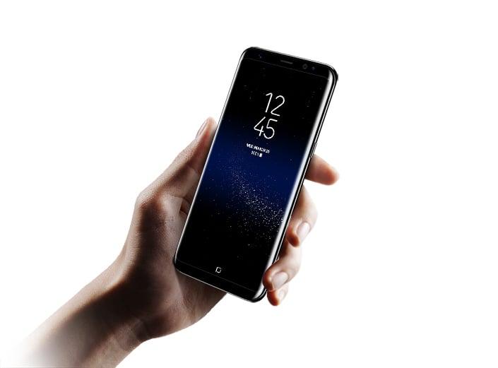 ほぼベゼルレス、虹彩認証も搭載する「Galaxy S8」
