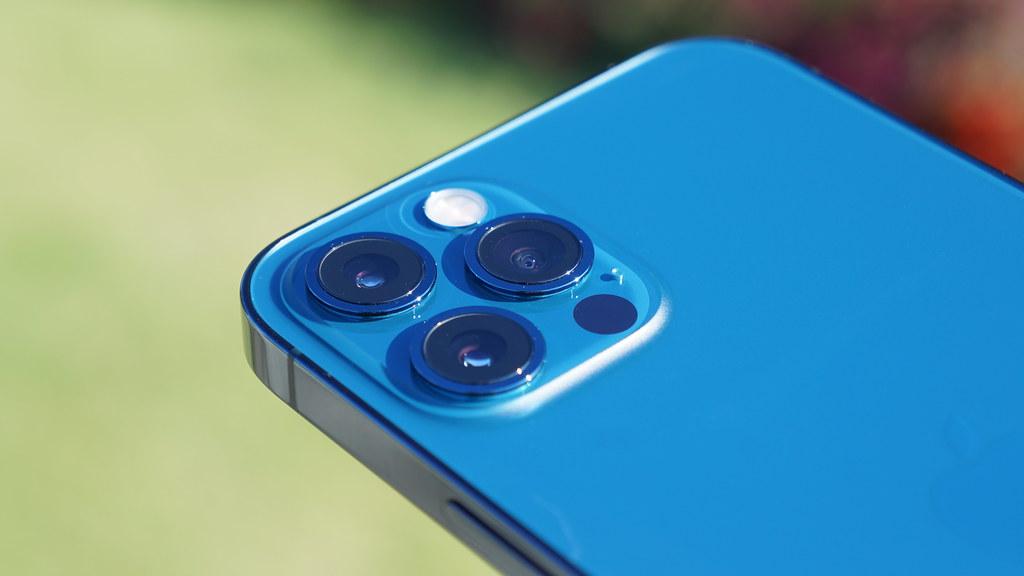 iPhone 13、カメラレンズをフラット化?出っ張りは増加